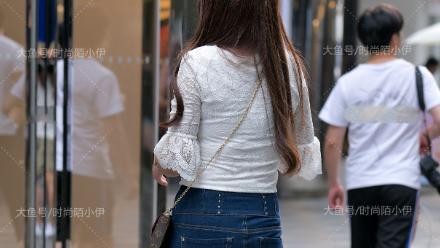 白色雪纺衫,丝薄柔软,仙女气质扑面而来
