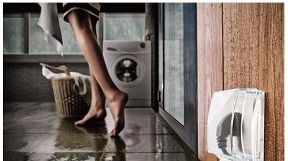 洗澡配「充电中手机」!15岁少女惨死浴室…插头还「牢牢插着」