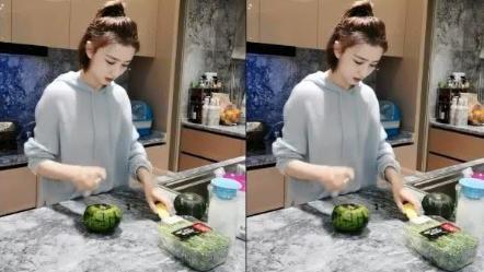 佟丽娅直播做美食,不会调美颜和滤镜,看到素颜后:确定36岁了?