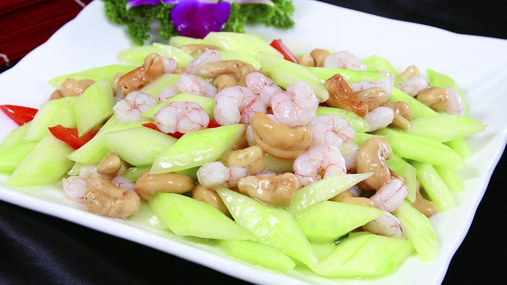 家常菜:青瓜炒虾仁,茄子肉末,水蒸蛋的做法
