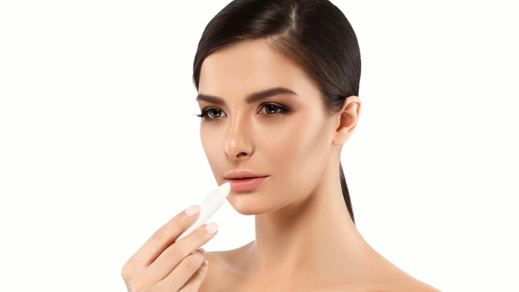解答变色唇膏和口红的区别,正确使用,为你打造靓丽唇妆