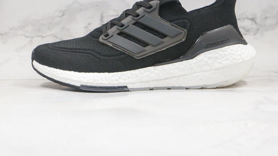 爆米花休闲运动跑鞋 adidas ultra boost 2021