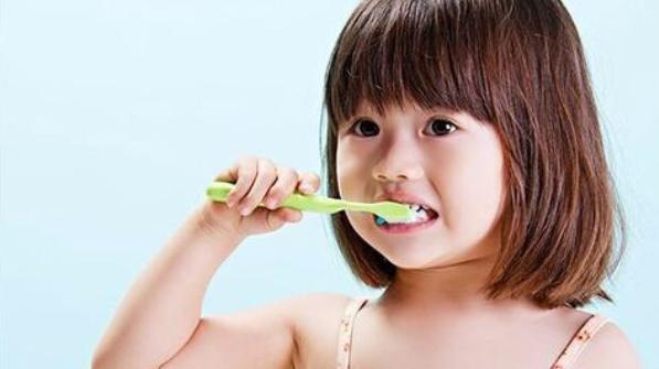 《徐姨育儿学习课》:宝宝换牙期基础护理很重要,新手宝妈要早知道!