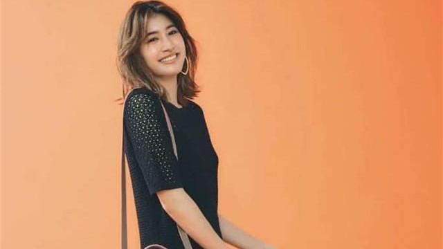 日本女孩太会穿,运动鞋配吊带裙,不会捂脚还时髦