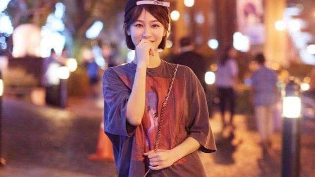 27岁杨紫穿搭依旧不乏少女感,主要在于这几种元素,快来补课