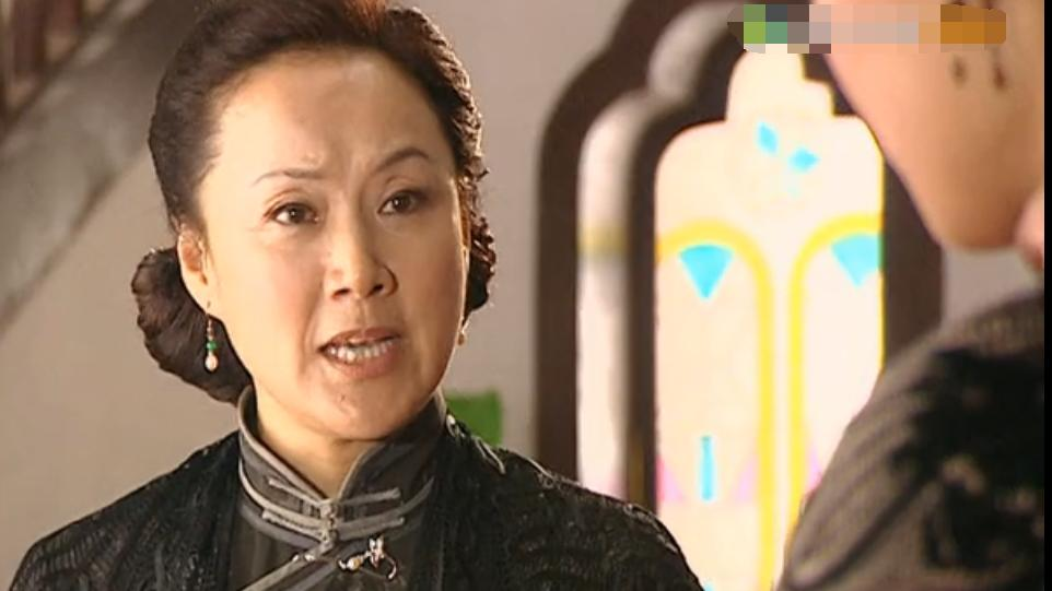 《金粉世家》金太太,为什么厌恶儿媳冷清秋?只因她做错了一件事