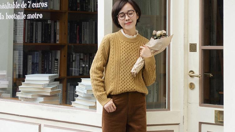 小个子女生秋冬季节如何穿搭?毛衣配牛仔裤,让你穿出女神气质范