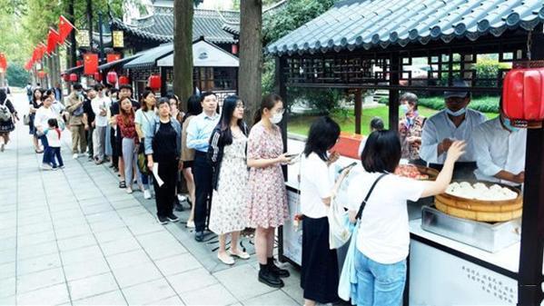 扬州菜卖火了,国庆中秋黄金周大卖,一个饭店8天卖了14万包子!