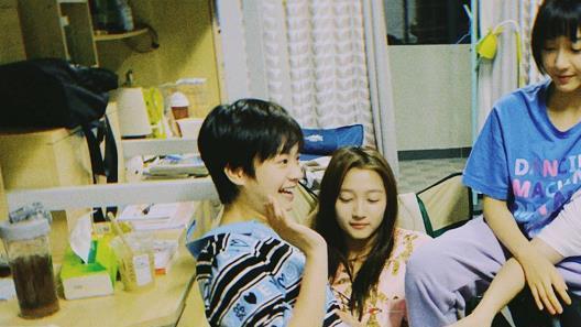 李庚希的家居服,张子枫的家居服,看到赵今麦:别忘记你是女孩!