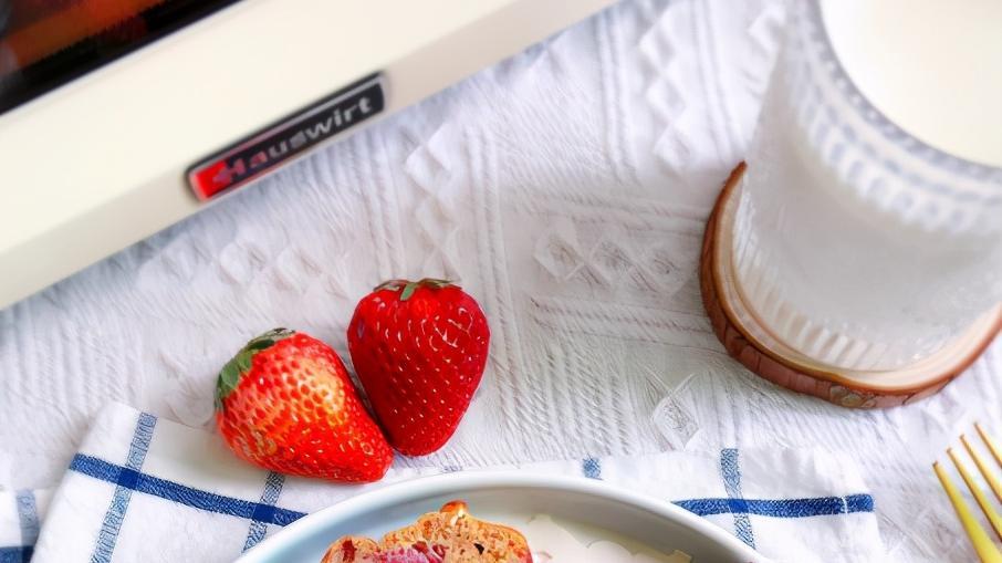 草莓全麦蛋糕,美味营养,高颜值美食