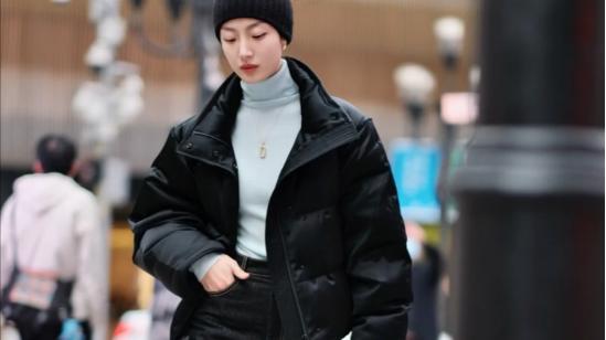 小个子女生秋冬穿搭范本,不必刻意卖萌,这样穿优雅大方