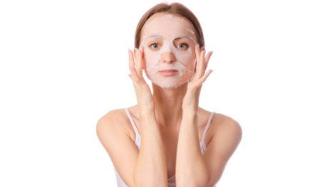 油性皮肤只用控油就好了吗?