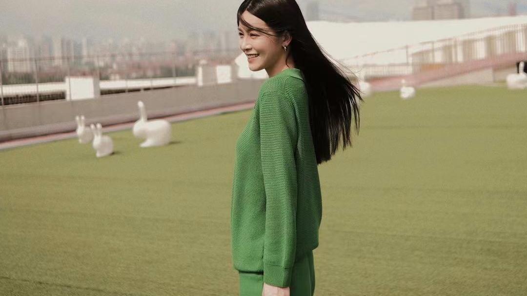 想要穿出潮范儿,就选绿色系套装,知性优雅又有女人味