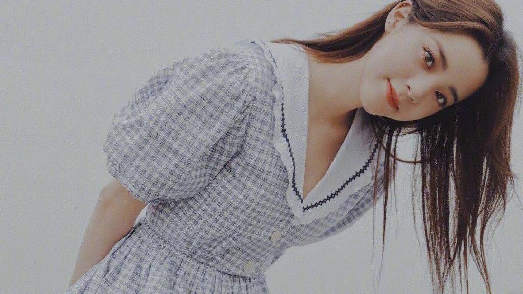 夏天是穿裙子的季节,短袖+皮裙、泡泡袖连衣裙,你喜欢哪种?