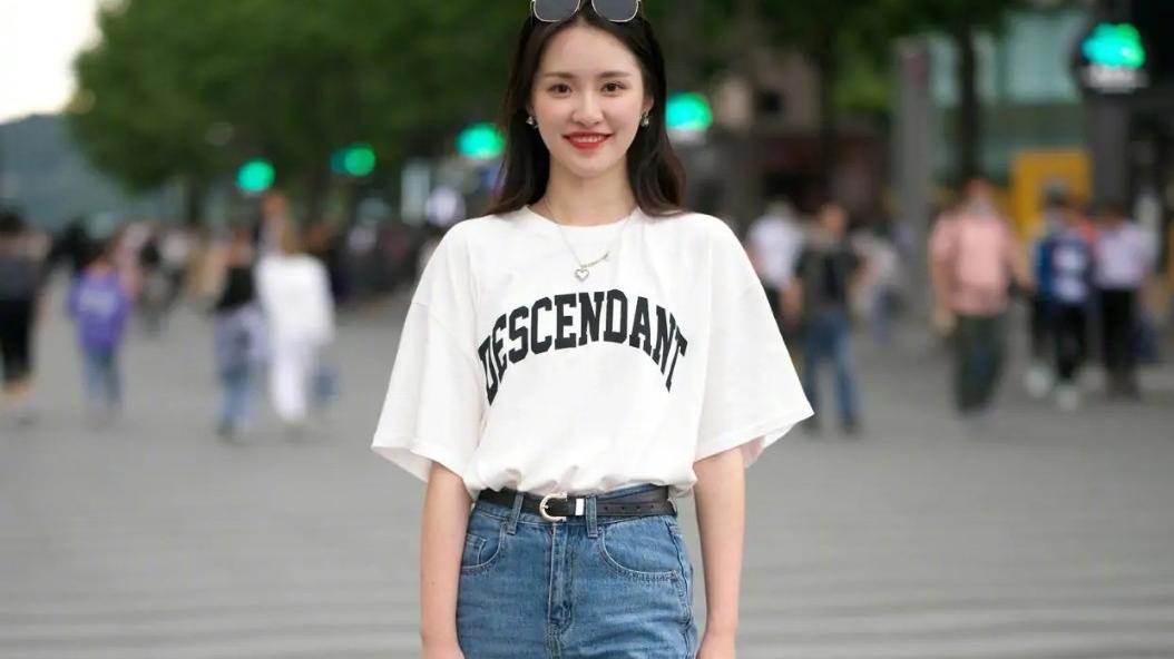 """夏季必备""""短袖""""穿搭分享,青春活力,时尚减龄!"""