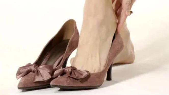 新买的鞋子磨脚?教你几招让鞋子穿着更舒适!