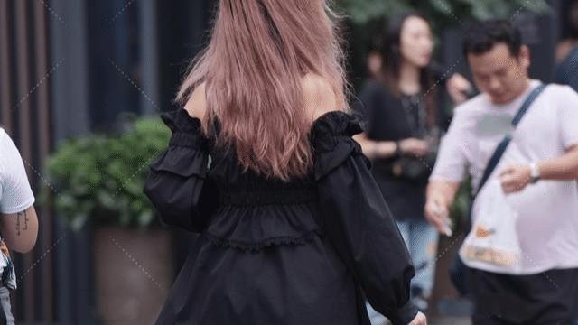 黑色蕾丝蓬蓬裙搭配绑带小跟鞋,可爱性感,娇美青春的小女生穿搭