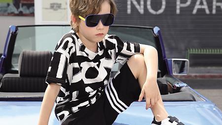 快乐精灵童装 在街头诠释帅气 孩子的另一面