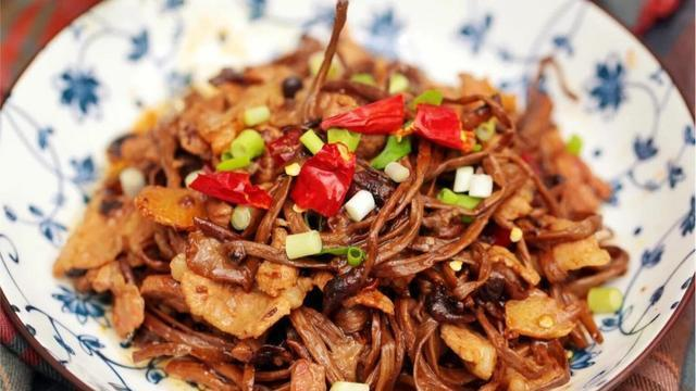 这样做茶树菇能有效去除苦味!健康营养又好吃,赶快学起来