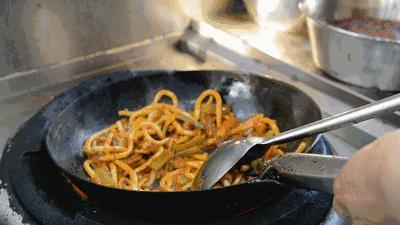 饭店的包菜炒粉条为啥这么好吃,关键这一步,不坨不粘锅,收藏了