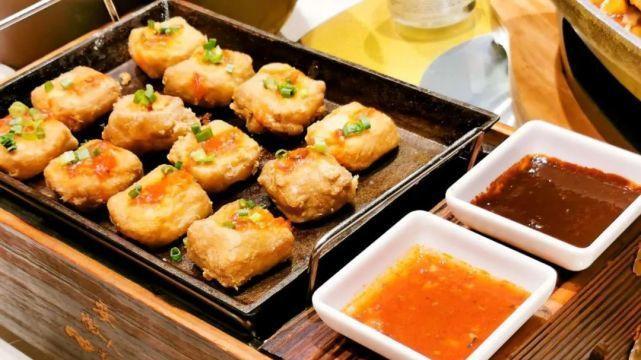 来说说安徽美食黄山毛豆腐的造型,它为什么是方的?