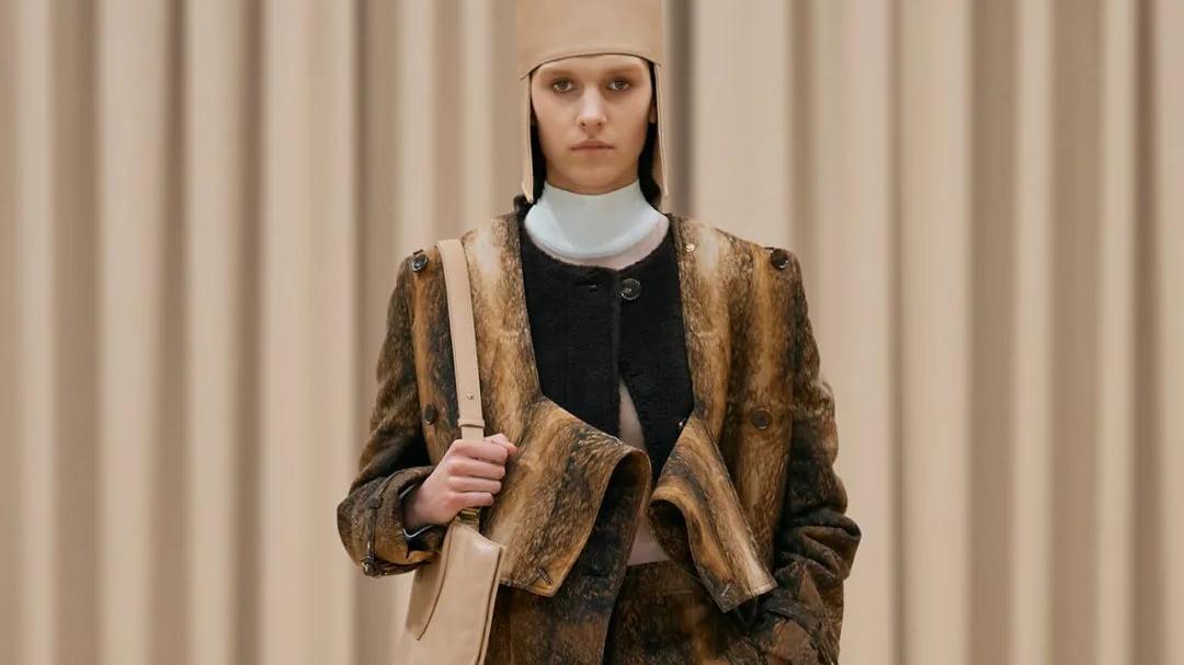 """被""""剪开""""的皮草:Burberry 2021年秋冬成衣"""