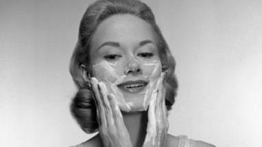 皂基烂脸,孕妇就非氨基酸洗面奶不可?揭开关于洗面奶的真面目!