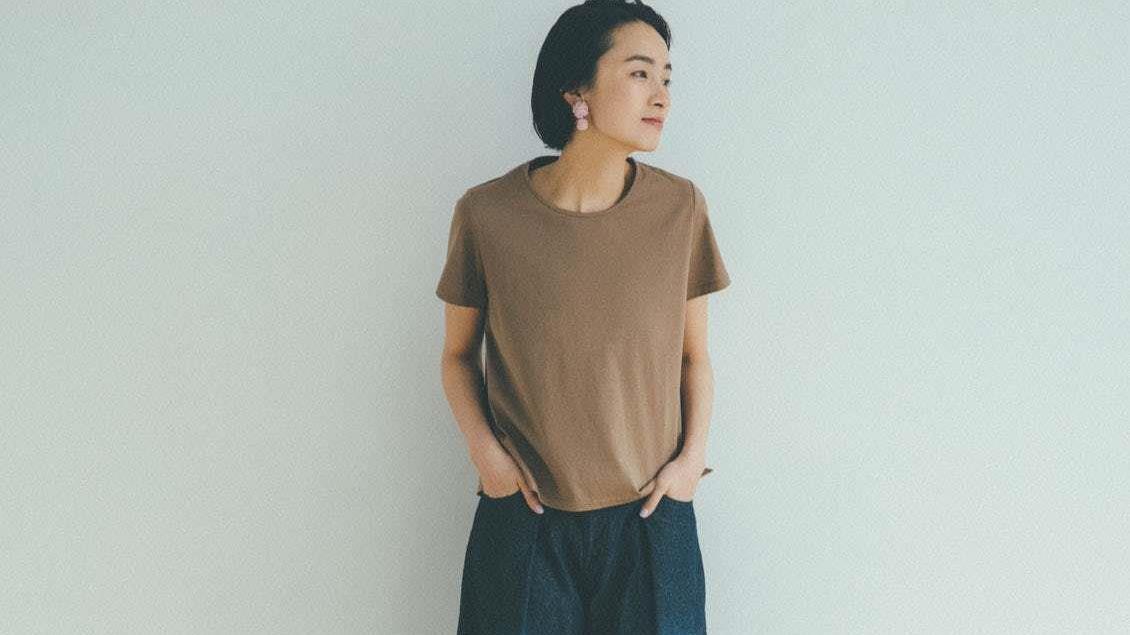 """日本太太的""""夏季""""清爽穿搭,百搭T恤+七分裤,穿的休闲又舒适!"""