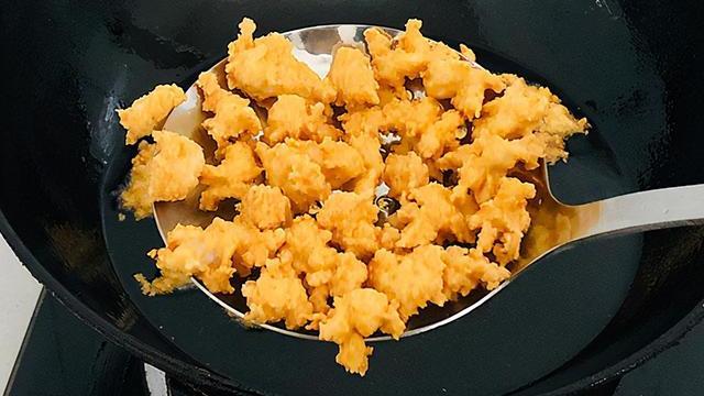 返回 草鱼创新吃法,做成爆米花,香脆可口,解馋不腥,大人小孩都喜欢吃