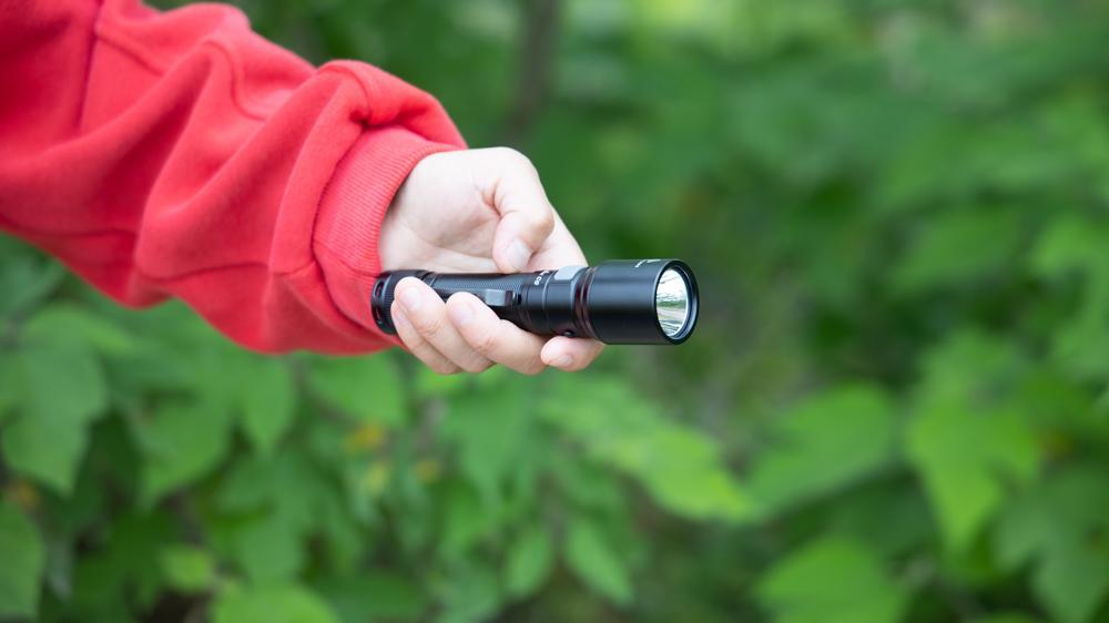 亮如远光灯,Fenix C6V3.0户外强光手电评测