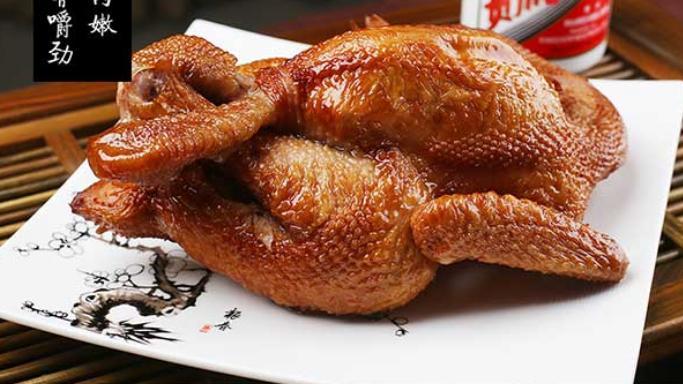 """中国四大""""极品""""烧鸡,当下酒菜正合适,中秋端上桌,老人笑哈哈"""