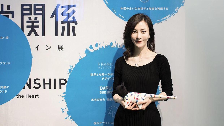 刘孜才是真正的时髦精,穿彩色印花裙也不花哨,反而优雅大气