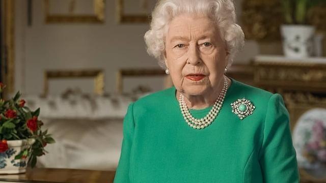 外表普通却特别的项链,英女王佩戴80多年,背后隐藏着什么故事?