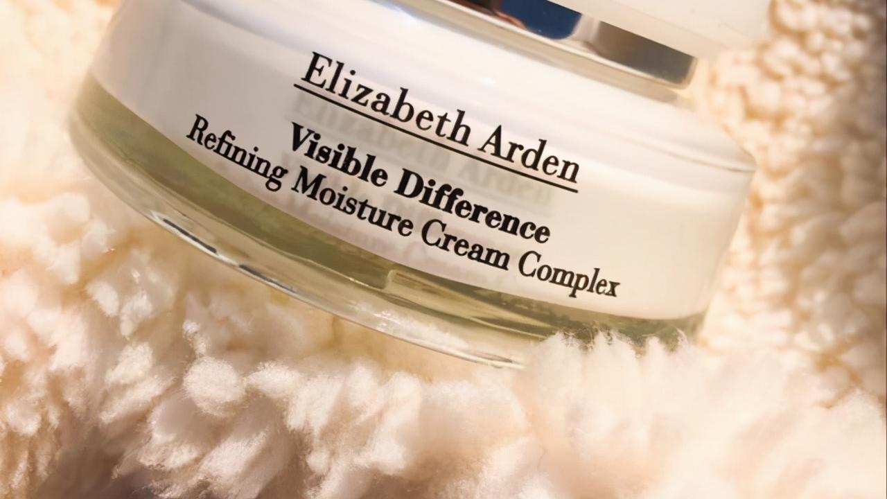 长时间补水润肤的面霜推荐:让皮肤轻松应对干燥,小脸蛋水润水润