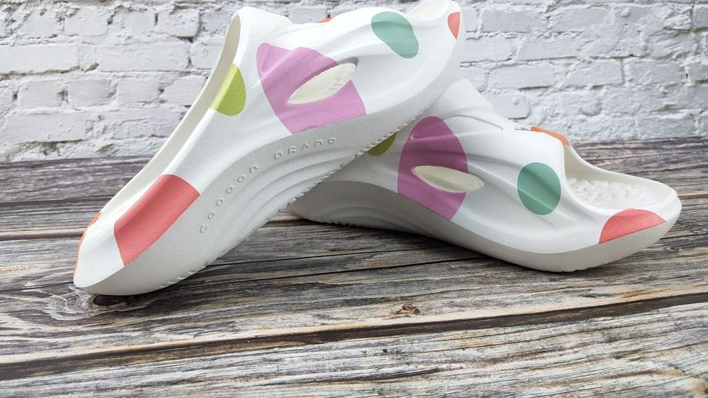 codoon咕咚减震舒缓运动拖鞋 带给你足够轻盈舒缓感