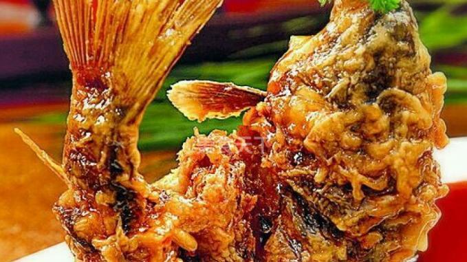 糖醋鱼是美国人,最喜食的中式菜,可用蛋花汤作头道菜