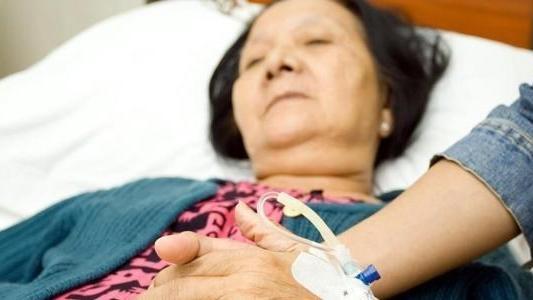 看见妈妈照顾病床上的奶奶,我想对未来当婆婆的人说这样一段话