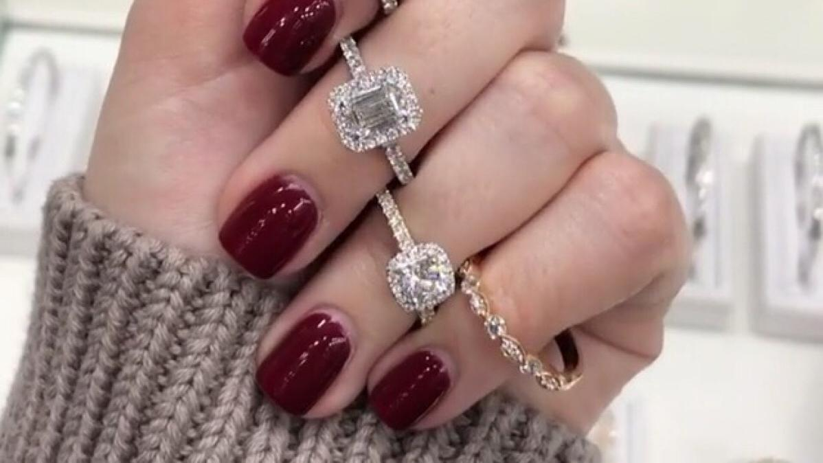 世界上最硬的钻石,代表纯洁无私的爱情%2c 让手指绽放熠耀绝色之美