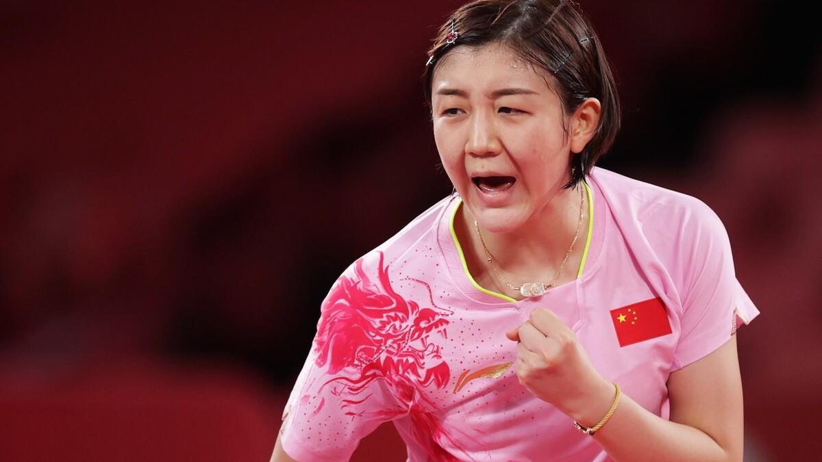 同样是染指甲,同样是戴手链和项链比赛,为什么只有刘诗雯被喷?
