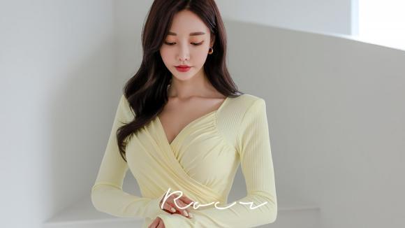 女神孙允珠时尚搭配:兰溪暮春柠檬草鲜黄裹胸礼裙
