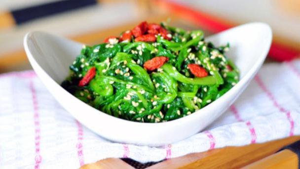 """这菜10斤只要20元,叫""""鹦鹉菜"""",秋冬季节女士必吃菜"""