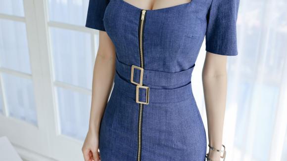 女神孙允珠的时尚搭配:牛仔深蓝波士顿美式拉链连衣裙