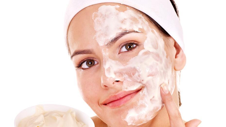 水乳和面膜哪个先用?不同类型的面膜使用顺序不同