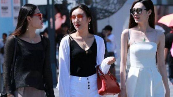 """裙裤组合的潮装""""再添石锤"""",果然没有最美,只有更美"""