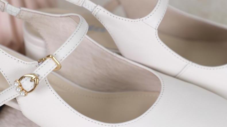 夏日穿搭:少不了绝美的粗跟包头凉鞋!