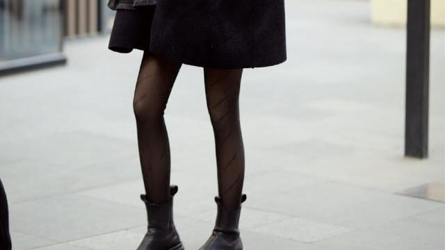 """告别""""显笨重""""的雪地靴,暖春试试这6种鞋靴,时髦百搭又显高"""