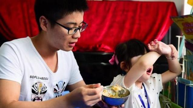 """""""学校的饭更好吃"""",孩子会觉得幼儿园的伙食好,并不是巧合"""