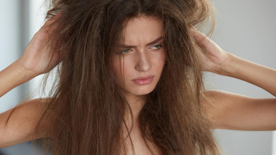 头发发质是沙发,干枯毛躁蓬松杂乱,这种发质该如何养护?