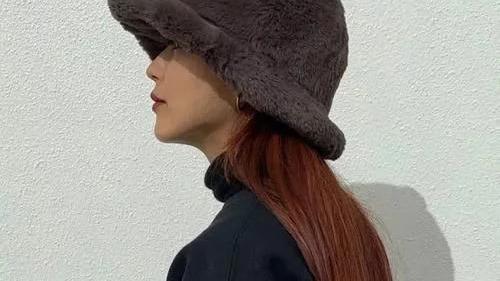 冬日的第三种绝色,帽子穿搭小技巧,让你倍增美丽