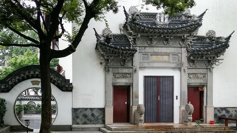 南京七桥瓮数经战火,桥身用花岗岩、石灰岩掺合灰浆、糯米汁、桐油砌成